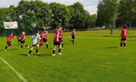 Neue D-Juniorinnen: Wieder torreiche Begegnung mit den Kickers