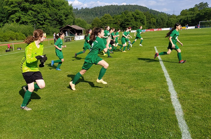 Neue C-Juniorinnen: Test in Heigenbrücken